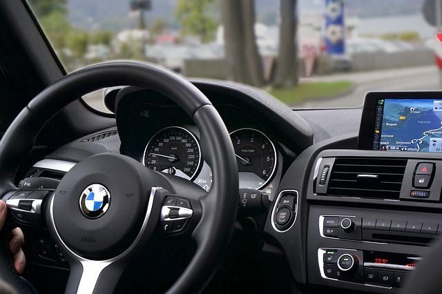 vnitřek vozu BMW