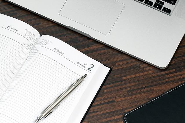 notebook, diář, propiska