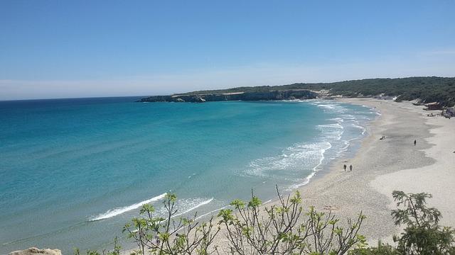 pláž na jadranu.jpg