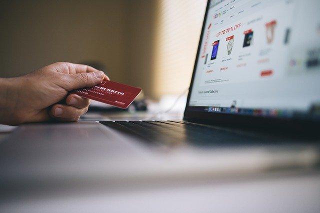 elektronický obchod a karta.jpg